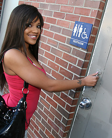 Ebony Catalina Taylor In The Glory Hole