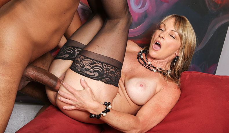 Shayla LaVeaux VIDEO PREVIEW